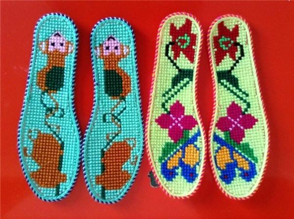 十字绣鞋垫制作方法