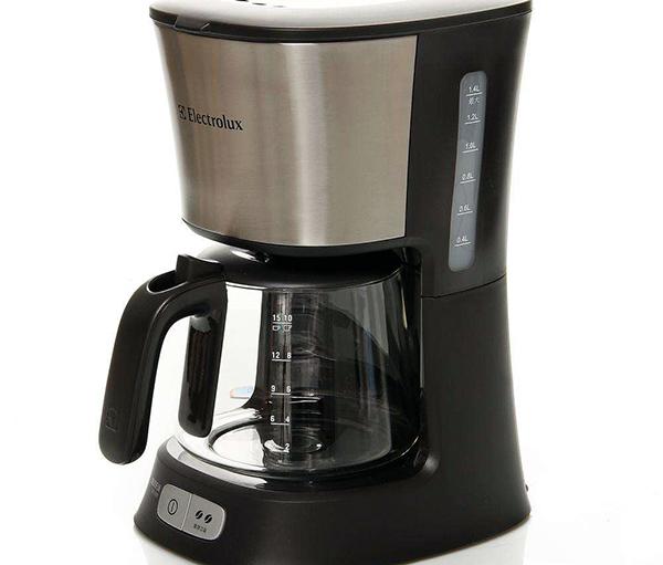 依莱克斯咖啡机制作咖啡