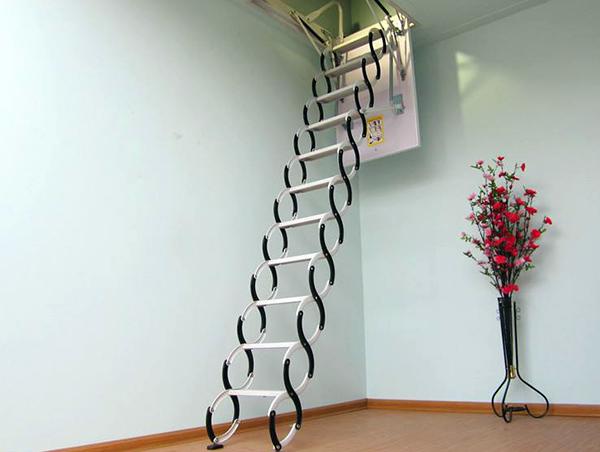 伸缩楼梯的优缺点