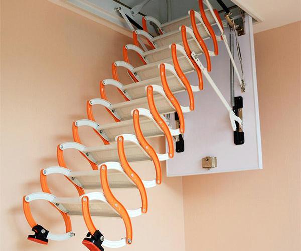 伸缩楼梯的优缺点详解 带你了解它的新型之处