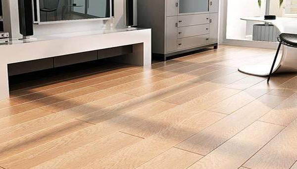 复合地板清洁方法一:定期清洁
