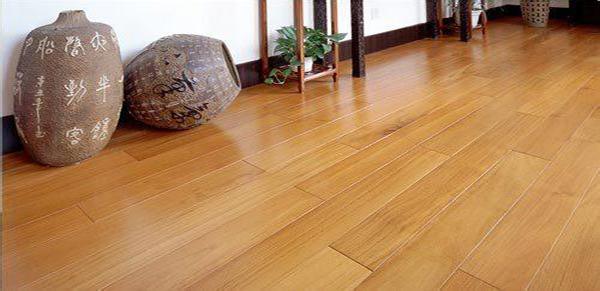 复合地板清洁方法三:冰敷复合地板