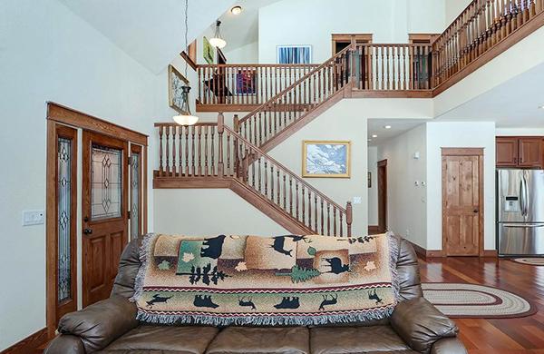 跃层楼梯装修五大误区 装修者看过来