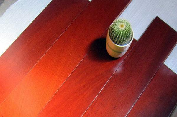 防水复合地板优缺点