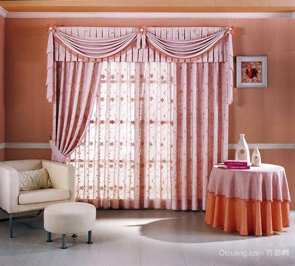 一,欧式窗帘颜色怎么搭配——黑色+白色+灰色 如果你喜欢古朴典雅的