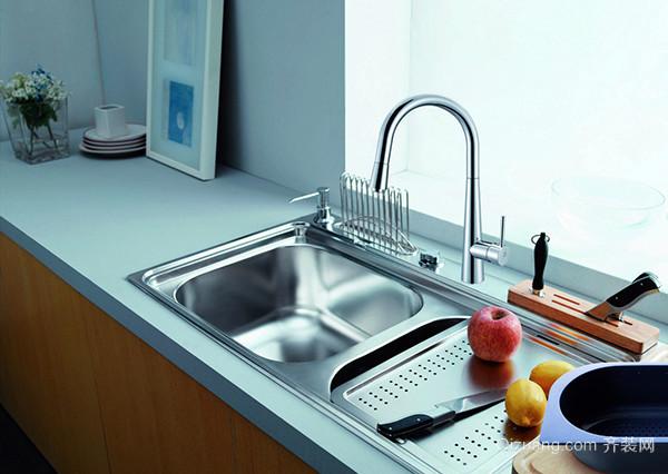 厨房橱柜水槽安装流程 设计师傅带你一起选