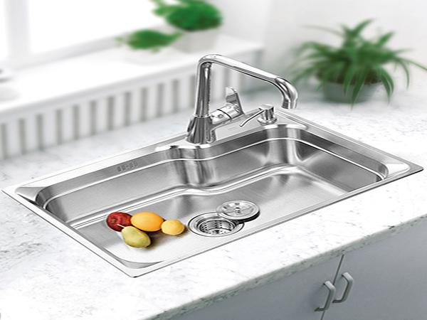 厨房水槽选单槽还是双槽?看看你家适合哪一种