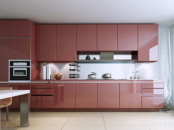 色彩会影响一个人的心情,不同的颜色会给人不同的情绪体验;厨房作为我们生活中重要的区域之一,对于瓷砖颜色的选择,有着比较高的要求。厨房瓷砖颜色太暖,会给人压抑;厨房颜色太冷,会有很大的反差感。如何搭配厨房瓷砖的颜色呢?厨房瓷砖颜色都有哪些搭配选择呢? 一、厨房瓷砖颜色搭配