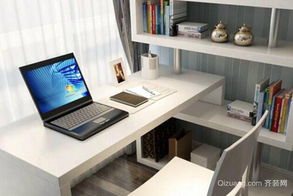 一般的电脑桌都是框架结构,框架结构的电脑桌尽管便宜但不牢固,使用时
