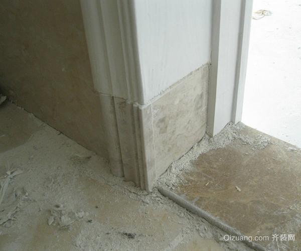 施工顺序要严谨   五,踢脚线安装步骤-贴层 底打完后用砂浆在石材背