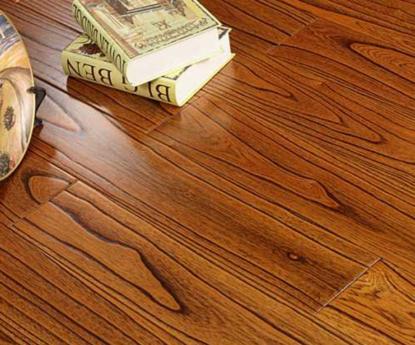 地暖类型对木地板影响