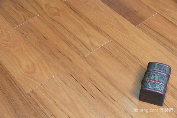 实木地板漆膜保养方法介绍