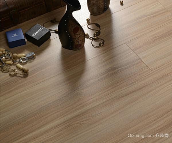 选择对比瓷砖和木地板