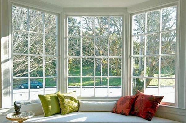 阳台玻璃窗材质