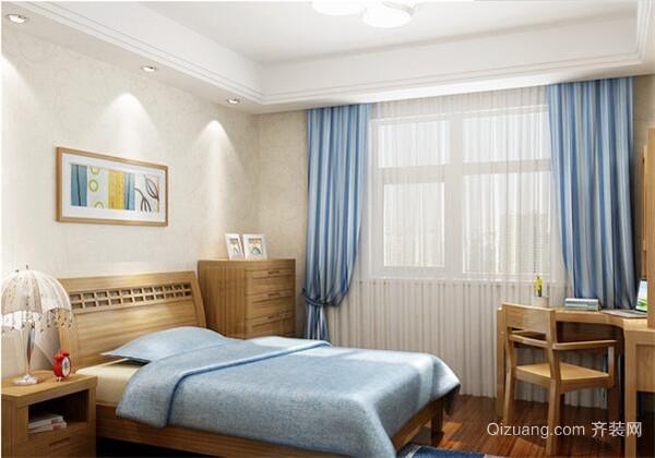一、客厅家具 客厅中的家具颜色可以与地板、墙面等结合一起搭配,常见的搭配模式是家具与客厅地板颜色相同、相近或者相反。比如褐色的地板搭配褐色的沙发等家具,让客厅更加有序、统一。也可以根据地板是暖色调的,家具颜色可以以浅色为主;地板是中色的,可以选购深色的家具搭配,这样也会很和谐。