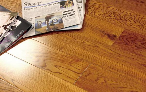 地板出现色差的原因 专业木工告诉你