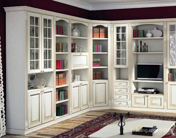 一、静谧感 欧式风格的家具这几年在国内似乎都是很走俏,欧式风格书柜没有现代书柜给人的喧嚣感,给人一种静谧优雅的感觉,每个人都希望自己的家是自己理想的天堂,对于每一种家具的选择都很注重。 二、书柜尺寸 书柜深度与所放书籍的宽度是有关系的,对于一些喜欢书籍的人来说,书柜就是用来盛放书籍之用的。