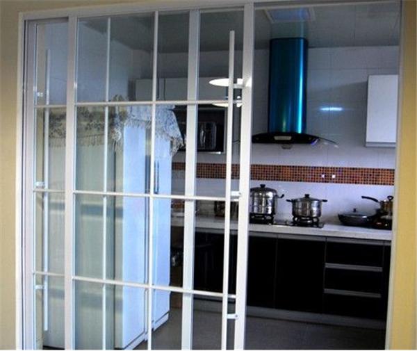 透明玻璃门设计开放式厨房