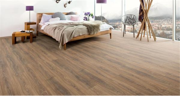 根据性能选择实木地板