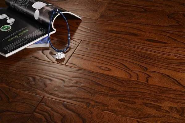 购买实木地板的误区