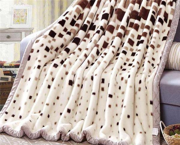  市场上毛毯材质有哪些 怎么选择好