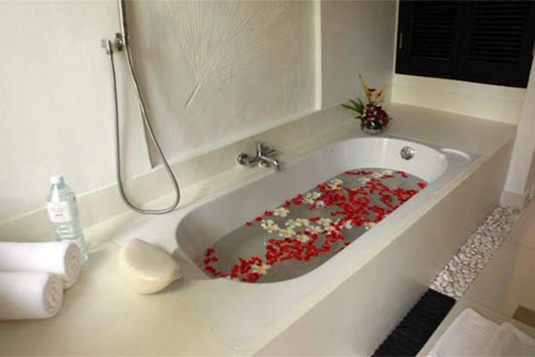 浴缸挑选的实用要诀