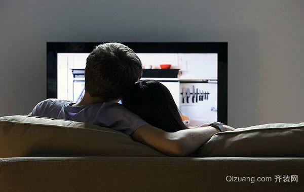 客厅用电视机还是投影仪