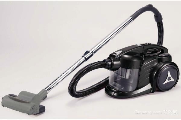选材导购 家用电器 吸尘器  > 使用吸尘器要注意什么?