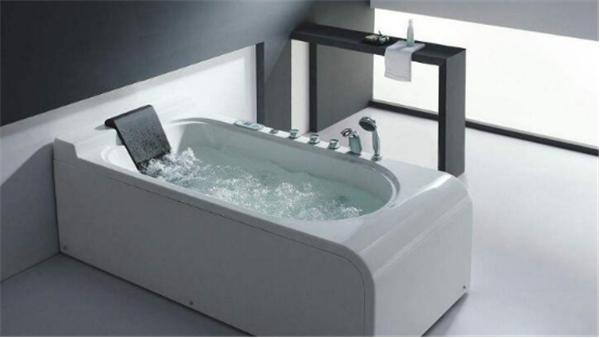 按摩浴缸清洁