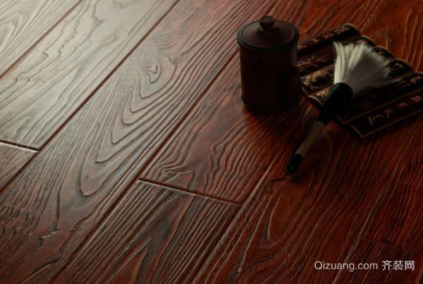 用于制作地板的木材也较多,檀木便是其中非常珍贵的一种地板材质.