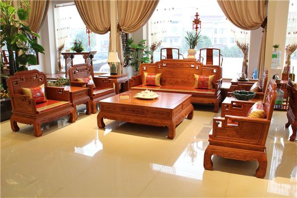 红木沙发有哪些材质 特点是什么呢