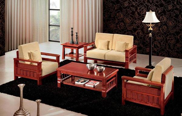 选购实木沙发的技巧