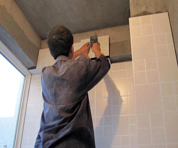 家装瓷砖掉瓷
