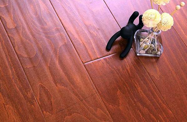 秋季木地板保养