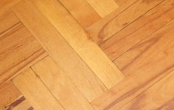 地板打蜡的方法 生活小常识