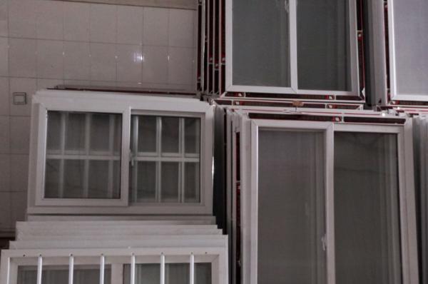 塑钢窗户的价格与什么因素有关