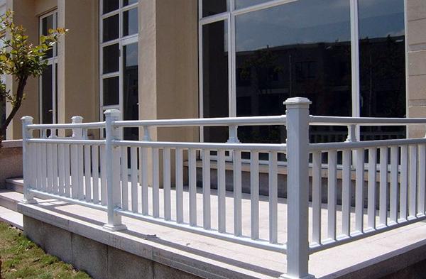 锌钢阳台护栏好吗