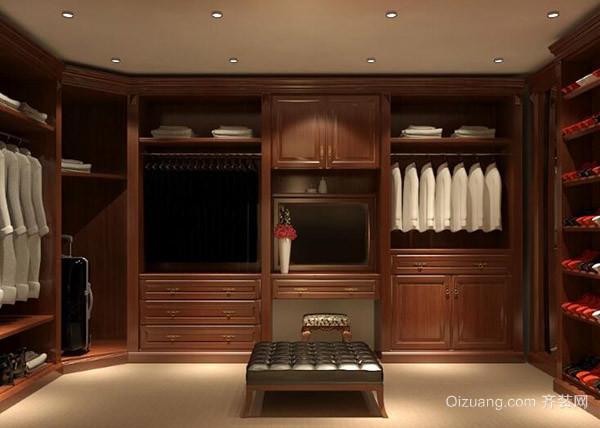 一、去除实木衣柜异味方法保持通风 最常见也是最不费劲的方法就是通风法,建议大家经常开窗通风,把柜门一直敞开通风,当然这个方法的见效时间也非常缓慢。一般两三个月才能把味道散掉。 二、去除实木衣柜异味方法活性炭吸附 活性炭也是家居生活当中经常使用到的一种去除异味的方法,除去实木家具的味道主要就是活性炭、HEPA等。这种物理性的吸附只能够暂时吸附一定的污染物。那么在风速以及温度达到了一定的程度的时候,之前被吸附的有害物质很有可能又会被游离出来。因此我们要及时对活性炭进行更换。