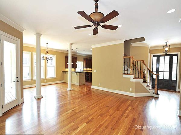 一、木质地板打蜡防滑技巧铺地毯 如果有条件的话,当然我们也可以在家里的地面上铺上一层地毯,你可以全屋铺,也可以铺在用水更多的区域,或者铺在过道上。铺地毯省时也省力,但是地毯地垫要经常的清洗非常麻烦,建议选择深色一些的地毯更耐脏,比如深咖色等。