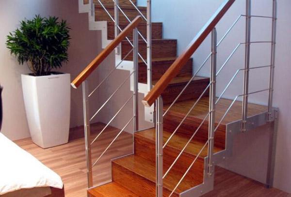 室内楼梯常见材质的优势与不足