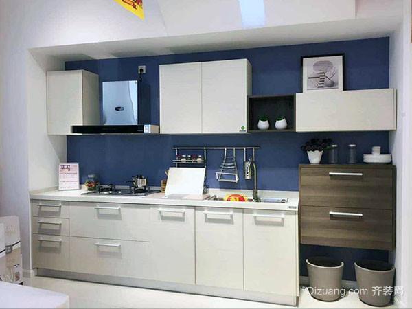 改善厨房空间的新创意   将多功能橱柜一侧的岛台延伸出去,不仅可以洗