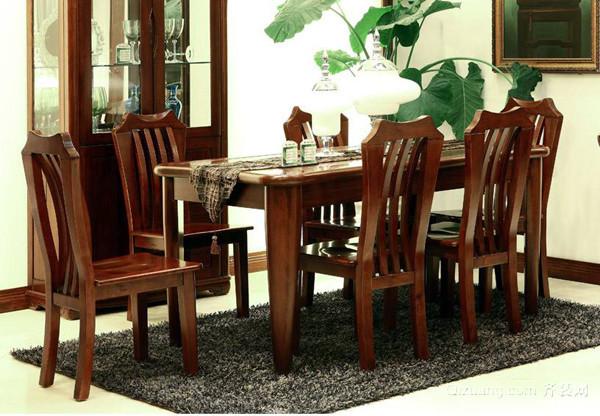 选购实木餐桌椅有哪些方法 真不简单   市场上见的实木材质中樱桃木