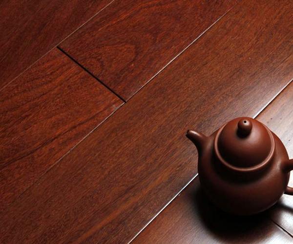 未来家地板安装