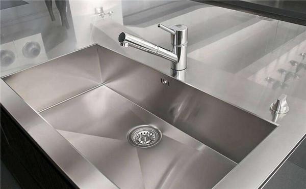 厨房水槽单槽和双槽哪个好 看秦皇岛装修师傅怎么说