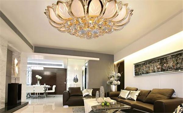 客厅灯具安装