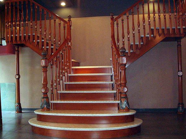 别墅整体楼梯