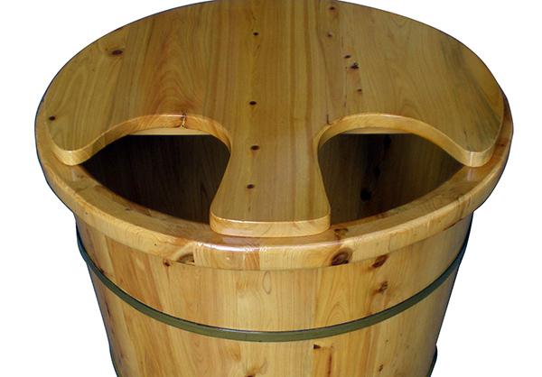 泡脚用什么木桶好