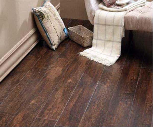 无缝木地板安装