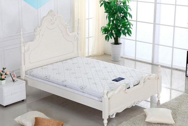 卧室床品选择技巧 给你来套全的