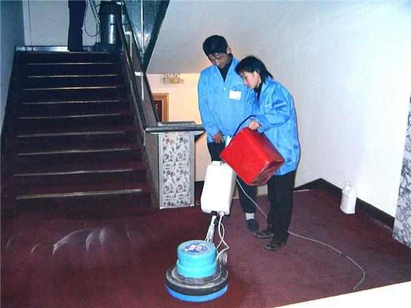 地毯清洁五个误区千万注意 小心地毯变抹布